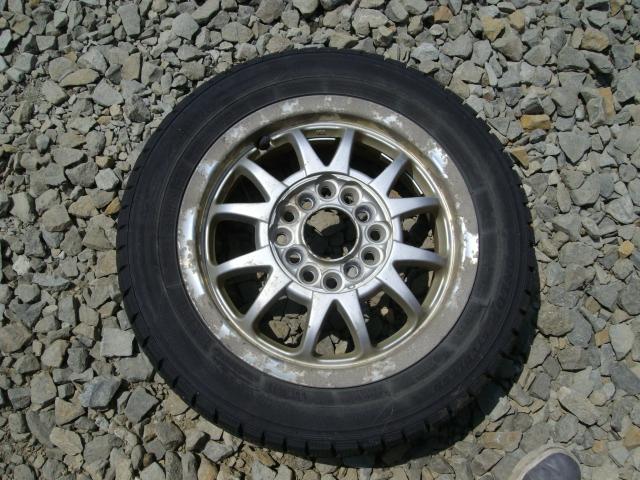タイヤ付きアルミホイールスクラップ